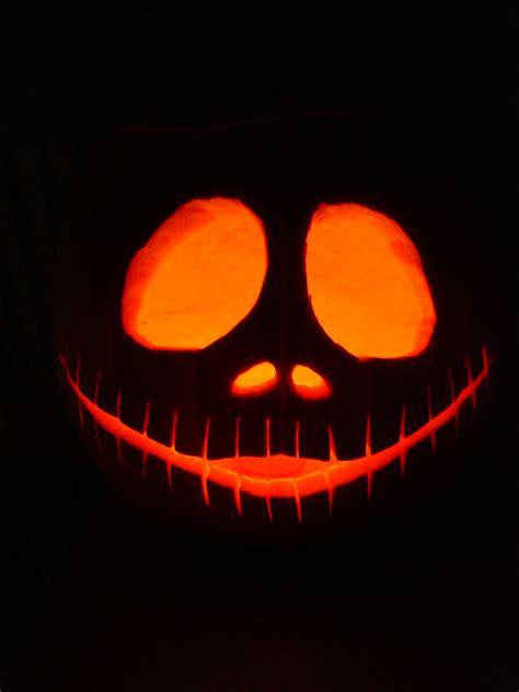 pumpkin carving patterns zero nightmare before christmas nightmare before christmas pumpkin christmas decorating