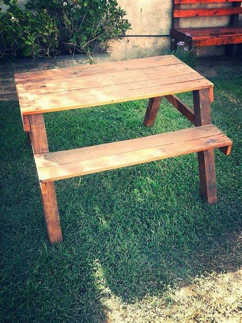 pallet picnic bench recycled pallet picnic table