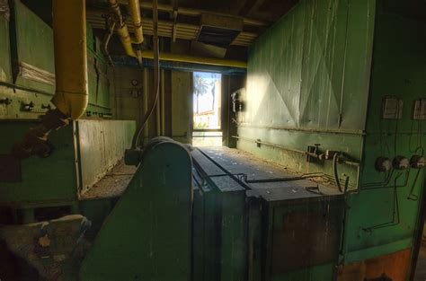 haunted house living room creepy abandoned haunted hospital soon to house senior citizens 70 pics 5