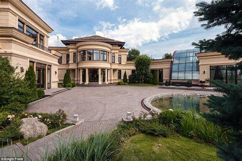 homes with huge garages