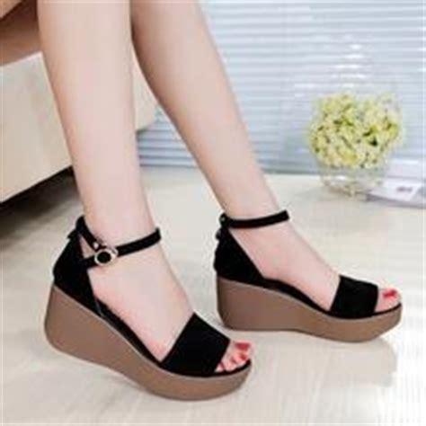 Sandal Wanita Platform Wedges Ankle Dn12 yesstyle