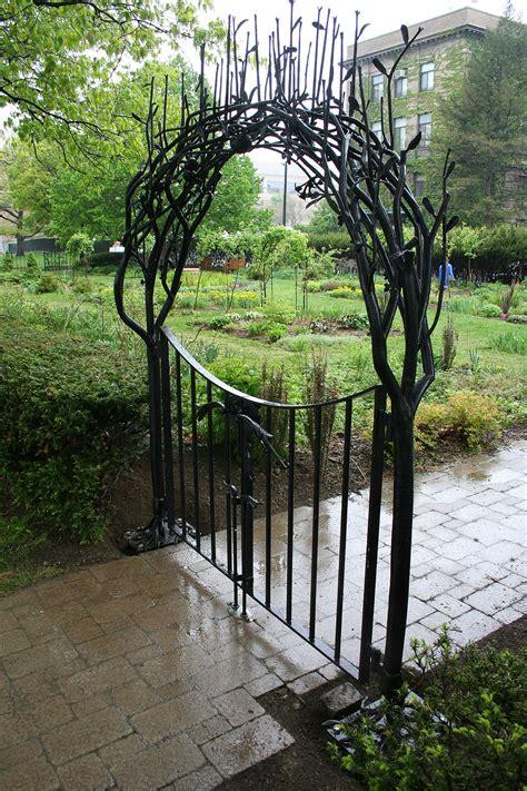 Garden Arch Fence 7 Apples New Garden By Durand Doren Ellis Hollow