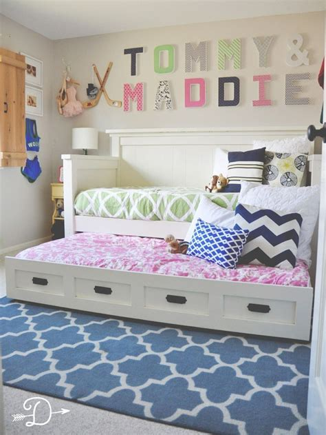 shared bedroom ideas 25 best ideas about diy daybed on bed frames