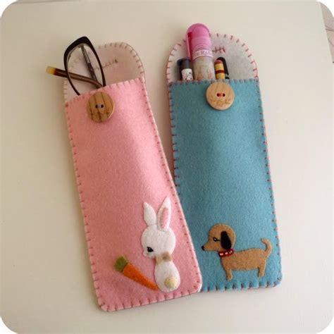 Sarung Tangan Pijat Grooming Anjing 5 kreasi dari kain flanel yang akan membuat tilan hp mu makin ciamik