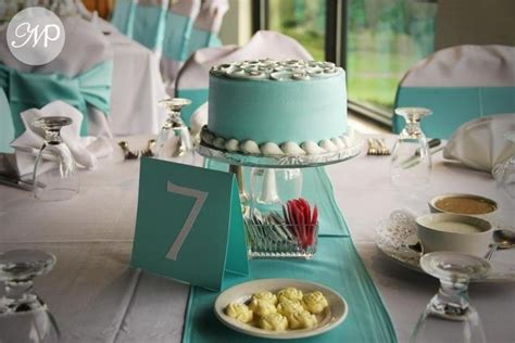 mini cakes for centerpieces wedding planner pinterest