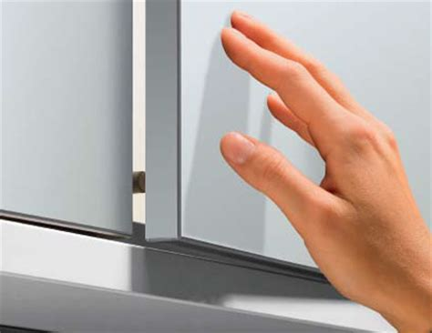 Kitchens Cabinets Online dise 241 o sin tiradores push to open hettich