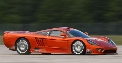 Saleen S7 Vs Bugatti I Dont See Many Pics Of The Saleen S7 On Carthrottle So