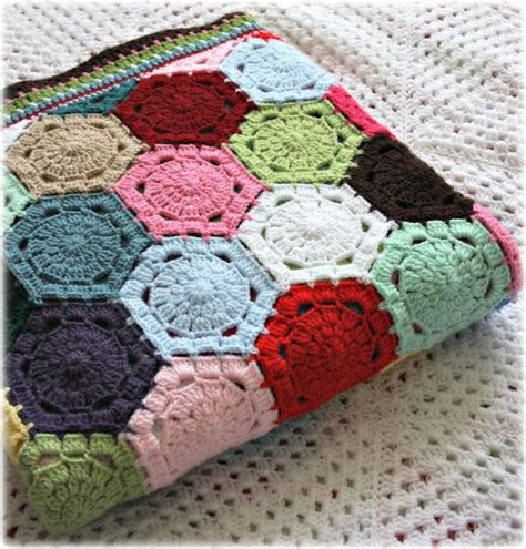 Hexagon Patchwork Blanket - 17 best images about crochet hexagons hexagons haken on