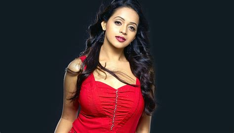 actress name kannada sexy malayalam actress bhavana weds with kannada producer
