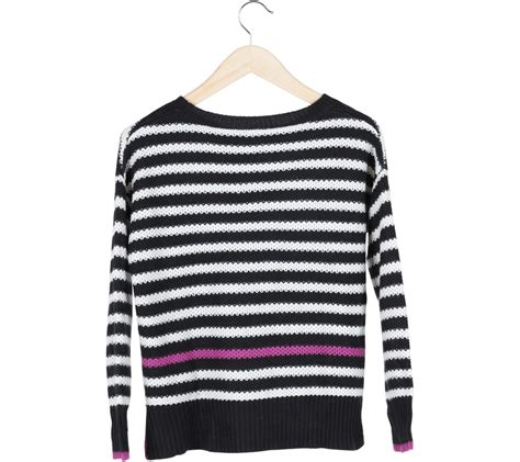 Dompet Pull N pull black and white striped sweater