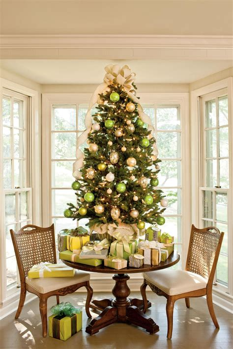 how to decorate atable tp christmas tree tree decorating ideas southern living