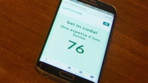 niente piu testo niente pi 249 code agli sportelli ora lo smartphone fa la
