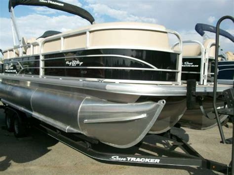 pontoon boats for sale tri cities wa 2017 sun tracker party barge 22 xp3 kennewick wa for sale