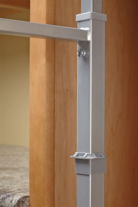 pull  pantry chrome   cr rev  shelf