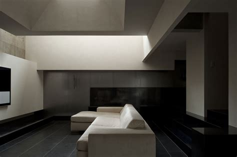 modern black floor l house of silence by form kouichi kimura architects