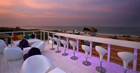 hotels  goa  calangute beach   laid