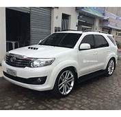 Toyota Hilux SW4 Rebaixada Com Rodas Aro 22