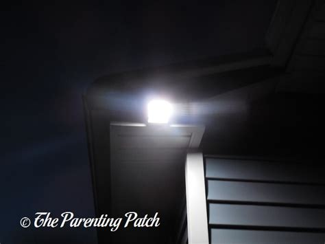 solar motion sensor light review innogear 20 led solar motion sensor outdoor light review