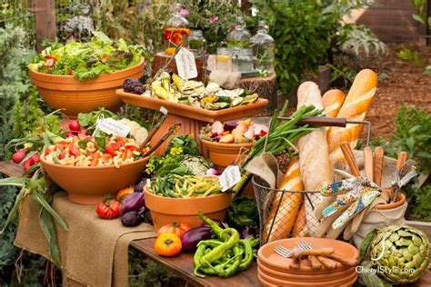 love this idea for a outdoor table of abundance tablescape
