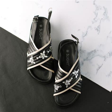 Sendal Flat Cantik Manik sandal dominique hitam slightshop