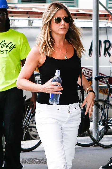 jennifer aniston casual jennifer aniston casual style out in new york city 6 29 2016