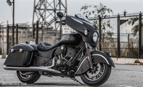 Indian Motorcycle Unveils 2016 Chieftain Dark Horse