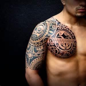 тату на груди и плече в полинезийском стиле фото татуировок