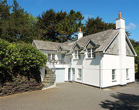 cornwall cottage rental coach house daymer bay cottages