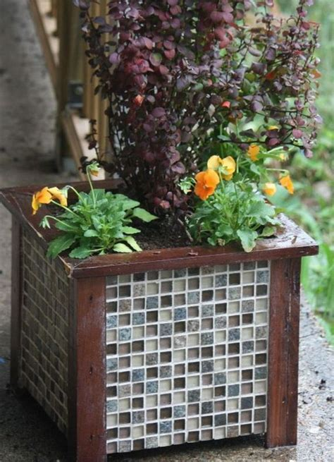 Planter Wall Tiles by Awesome Ways For Reusing Leftover Ceramic Tiles