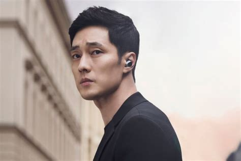 so ji sub new drama so ji sub explains why he chose terius behind me as his
