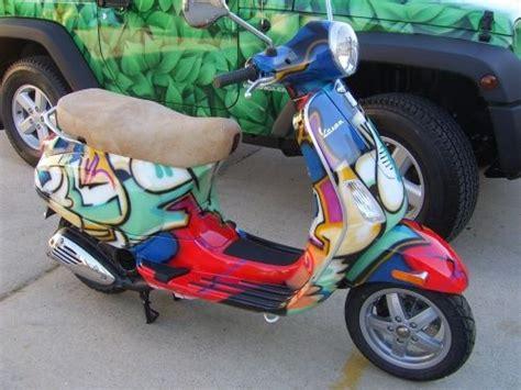 Modifikasi Vespa Px Air Brush by Vespa Graffiti Airbrushing On Bikes And Helmets By