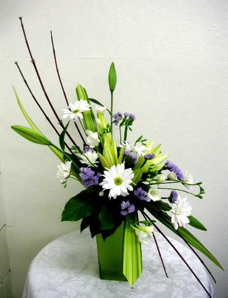 contemporary floral arrangements they say flower arrangement it automatically means