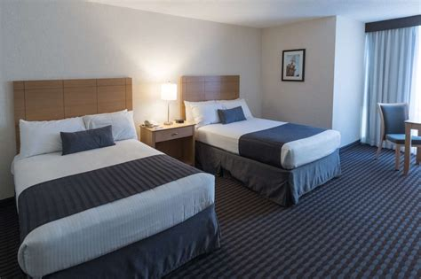 rooms of the midtown hotel in boston massachusetts