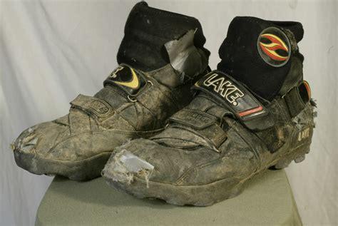 mountain bike winter shoes lake winter mountain bike boots barn door cycling