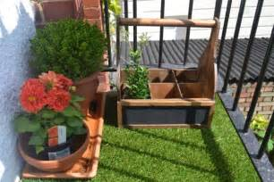 Ideas For Small Balcony Gardens Balcony Gardens Prove No Space Is Small For Plants