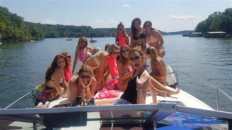 party boat rentals ozarks boat rentals lake of the ozarks best boat rental rates