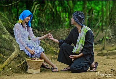 Pangsi Pakaian Adat Sunda Satu Paket pakaian adat sunda jawa barat gambar dan penjelasannya