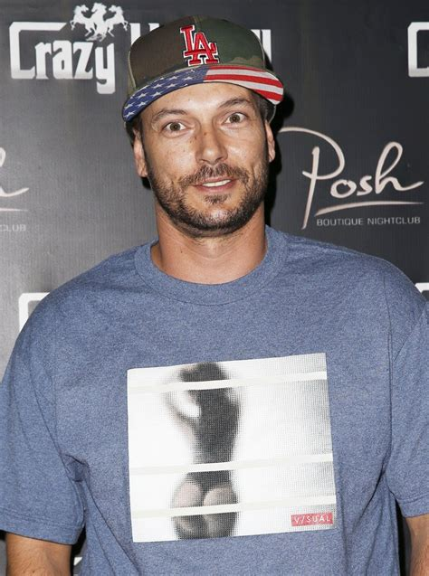 Kevin Federline Lands An Actual by Kevin Federline Picture 23 Kevin Federline Live Dj Set