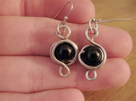 how to make jewelry with wire and diy wire wrapped earrings make something mondays