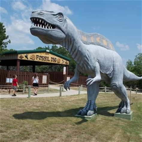 World 24 Tx by Dinosaur World 24 Photos Museums Glen Tx