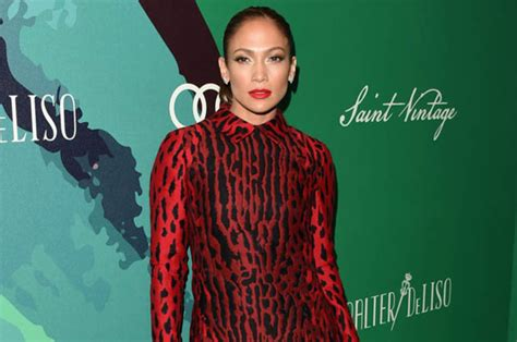 J Lo Signed A Confidentiality Agreement With Former Assistant by To Fight 163 7million Tell All Book By