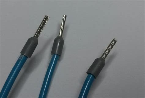 electrical wire end crimps spade lugs vs plain wire for panel connections