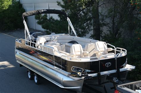 best tritoon boat for the money tahoe 24 fnf tritoon 2014 for sale for 52 999 boats