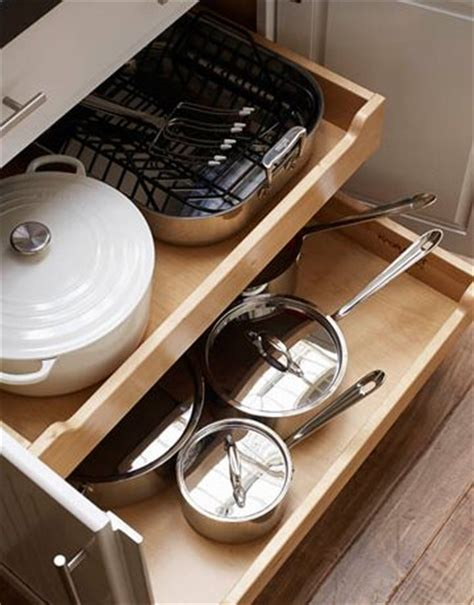 Pull Out Drawers For Pots And Pans by Pull Out Drawers Drawers And Cupboards On