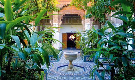 creating a backyard garden alan titchmarsh s tips on creating a peaceful garden