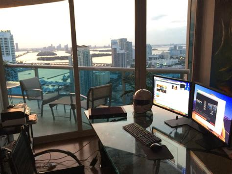 Trading Desk by 14 Badass Trading Desk Setups From Around The World
