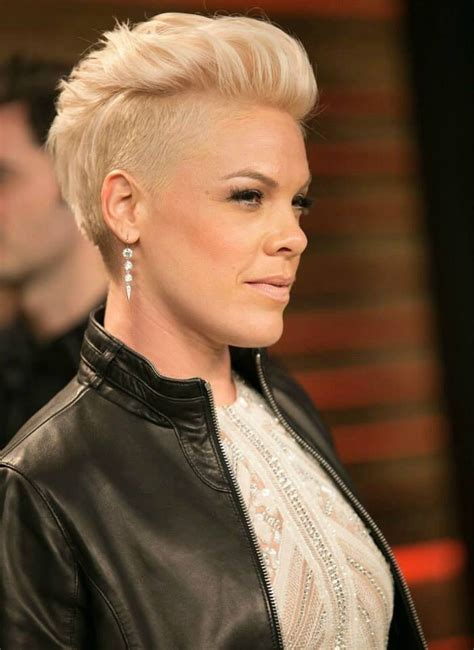 P Nk Hairstyles by 25 Best Ideas About Singer Pink Hairstyles On