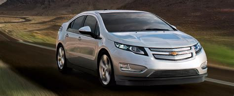 nissan leaf vs chevy volt hybrid comparison chevy volt versus nissan leaf valley