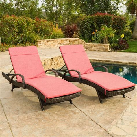 outdoor patio lounge chairs set of 2 outdoor wicker armed chaise lounge chair with