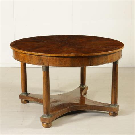 tavolo in stile tavolo tondo in stile impero mobili in stile bottega